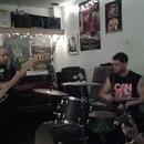 SLOUGH FEG stellen neuen Schlagzeuger vor